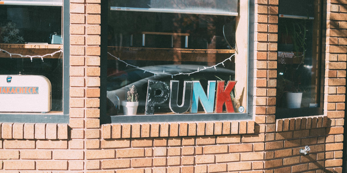 p'unk window letters
